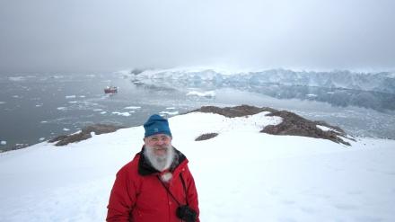 El Maestro Santiago en una Expedición a la Antártida